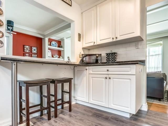 Detached at 2 Lincoln Green Dr, Markham, Ontario. Image 6