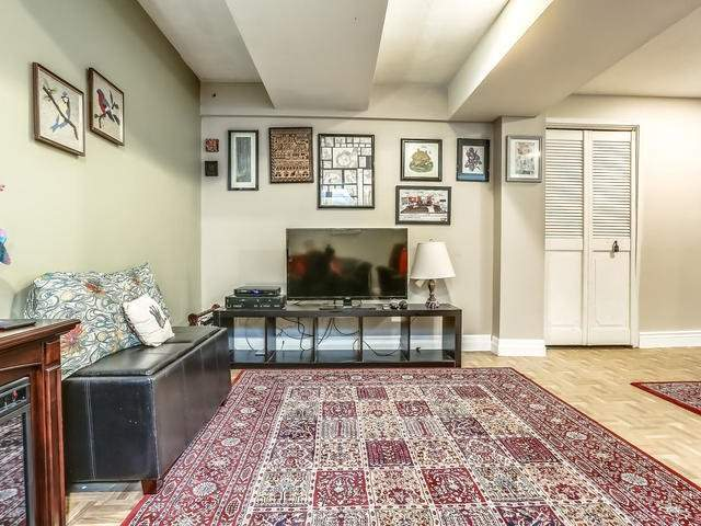 Detached at 2 Lincoln Green Dr, Markham, Ontario. Image 11