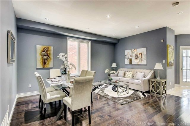 Detached at 7 Lake Woods St, Richmond Hill, Ontario. Image 14