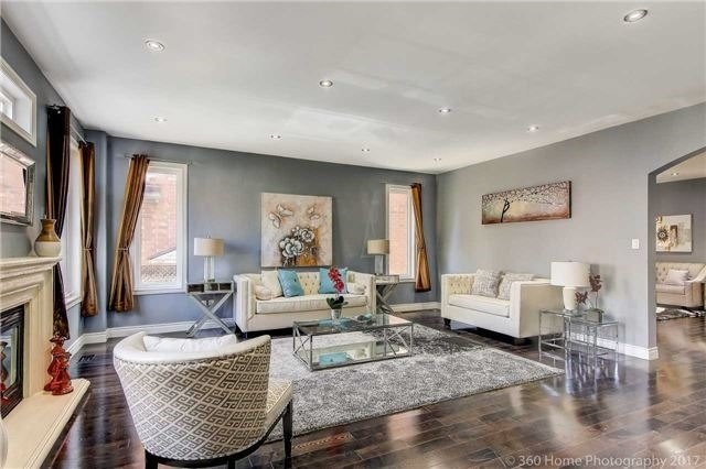 Detached at 7 Lake Woods St, Richmond Hill, Ontario. Image 16