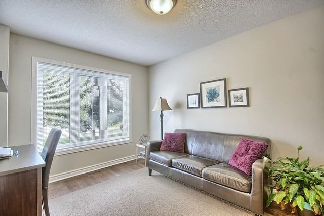 Detached at 1040 Ashley Pl, Newmarket, Ontario. Image 8