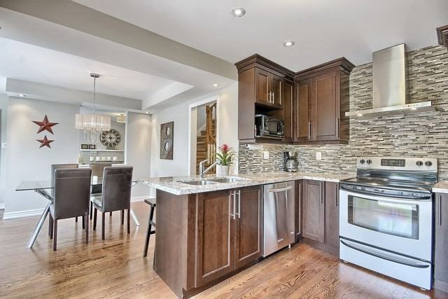 Detached at 1040 Ashley Pl, Newmarket, Ontario. Image 10