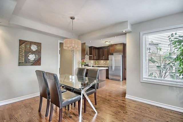 Detached at 1040 Ashley Pl, Newmarket, Ontario. Image 11