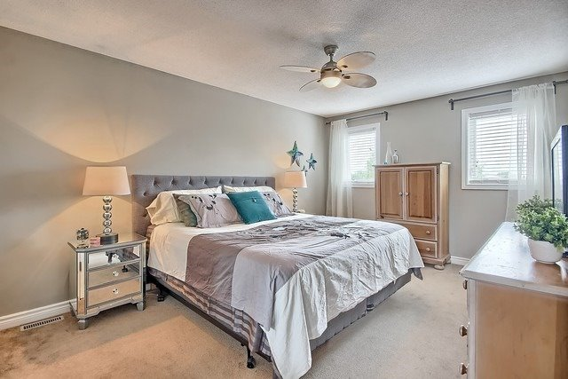 Detached at 1040 Ashley Pl, Newmarket, Ontario. Image 14