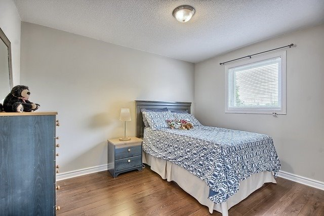 Detached at 1040 Ashley Pl, Newmarket, Ontario. Image 2