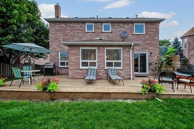Detached at 1040 Ashley Pl, Newmarket, Ontario. Image 5