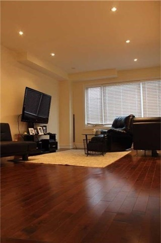 Detached at 22 Elm Grove Ave, Richmond Hill, Ontario. Image 17
