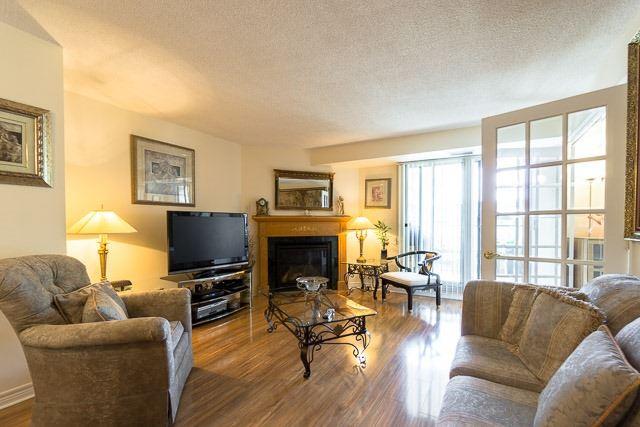 Condo Apartment at 121 Woodbridge Ave, Unit 209, Vaughan, Ontario. Image 18