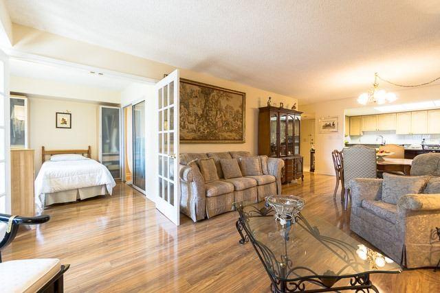 Condo Apartment at 121 Woodbridge Ave, Unit 209, Vaughan, Ontario. Image 19