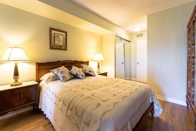 Condo Apartment at 121 Woodbridge Ave, Unit 209, Vaughan, Ontario. Image 2