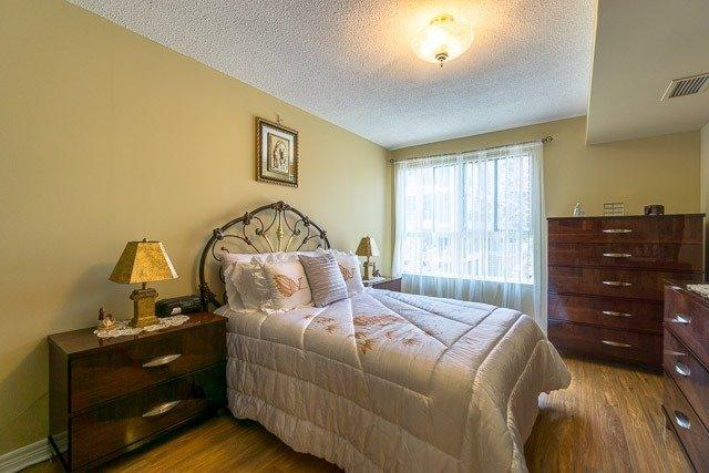 Condo Apartment at 121 Woodbridge Ave, Unit 209, Vaughan, Ontario. Image 3