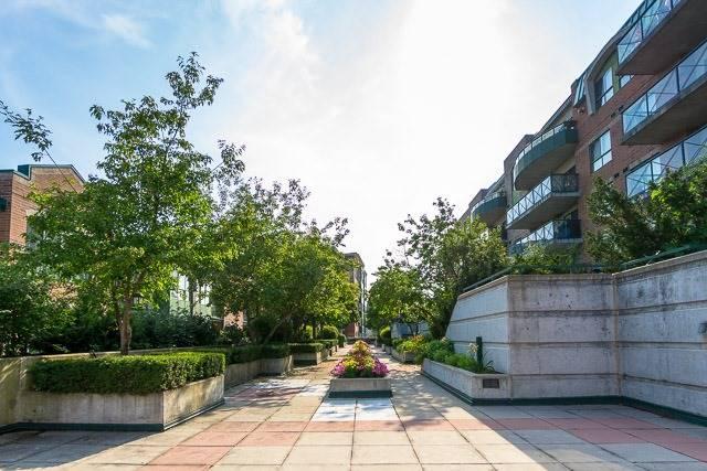 Condo Apartment at 121 Woodbridge Ave, Unit 209, Vaughan, Ontario. Image 10