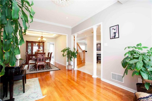 Detached at 8 Grover Hill Ave, Richmond Hill, Ontario. Image 16