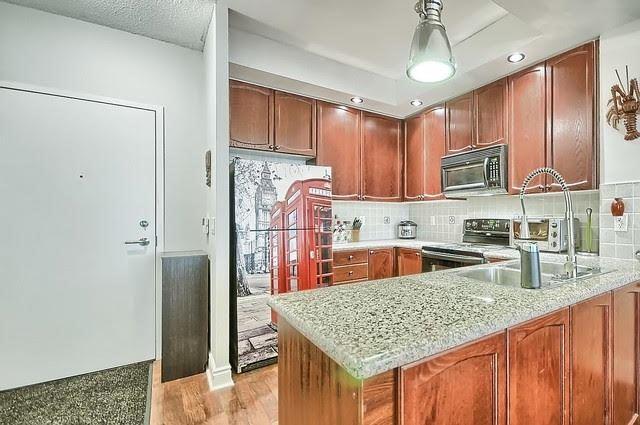 Condo Apartment at 33 Cox Blvd, Unit 131, Markham, Ontario. Image 11