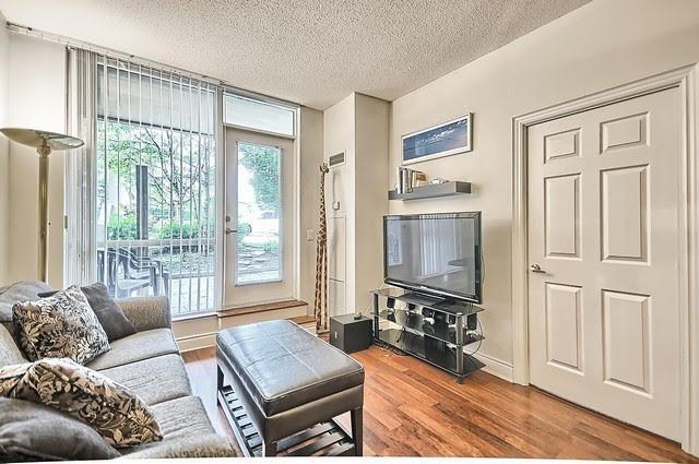 Condo Apartment at 33 Cox Blvd, Unit 131, Markham, Ontario. Image 2