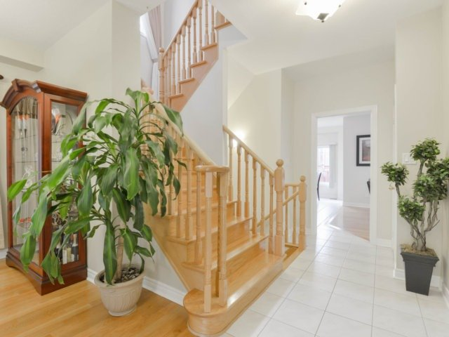 Detached at 64 Saint Victor Dr, Vaughan, Ontario. Image 15