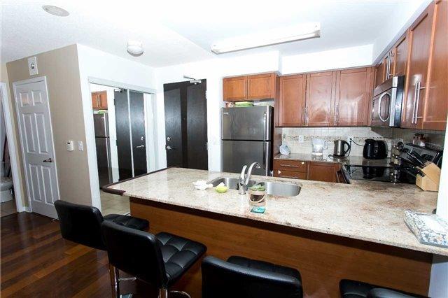 Condo Apartment at 75 King William Cres, Unit 711, Richmond Hill, Ontario. Image 9