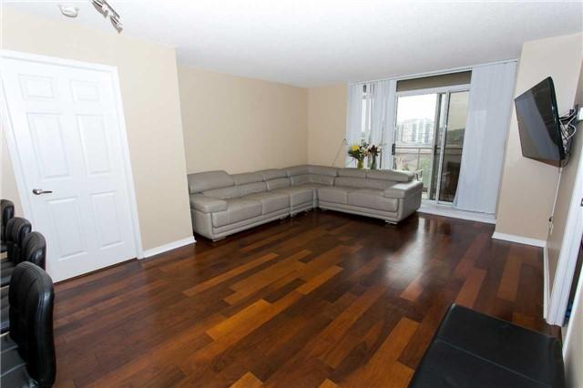 Condo Apartment at 75 King William Cres, Unit 711, Richmond Hill, Ontario. Image 10
