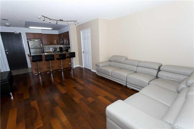 Condo Apartment at 75 King William Cres, Unit 711, Richmond Hill, Ontario. Image 11