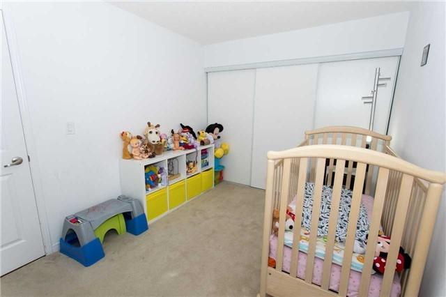 Condo Apartment at 75 King William Cres, Unit 711, Richmond Hill, Ontario. Image 13