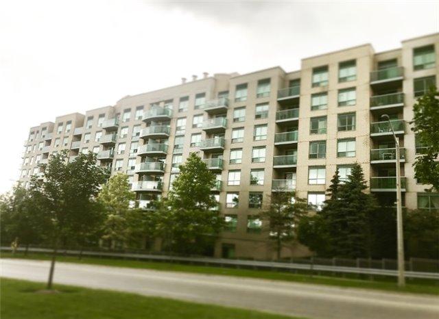 Condo Apartment at 3 Ellesmere St S, Unit Ph12, Richmond Hill, Ontario. Image 1