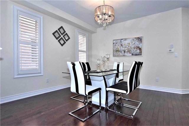 Detached at 107 Riding Mountain Dr, Richmond Hill, Ontario. Image 12