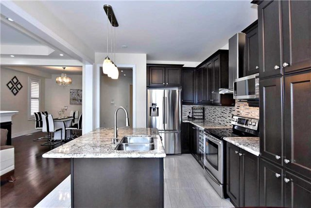 Detached at 107 Riding Mountain Dr, Richmond Hill, Ontario. Image 15