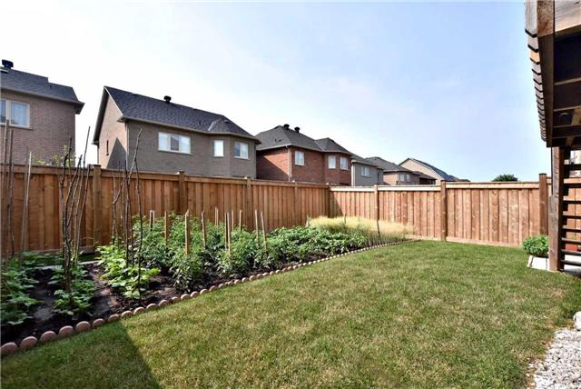 Detached at 107 Riding Mountain Dr, Richmond Hill, Ontario. Image 10