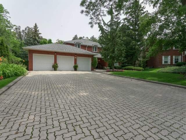 Detached at 84 Cambridge Cres, Richmond Hill, Ontario. Image 1