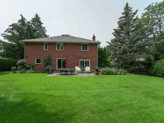 Detached at 84 Cambridge Cres, Richmond Hill, Ontario. Image 13