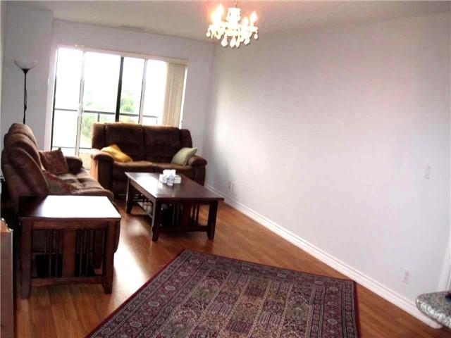 Condo Apartment at 18 Harding Blvd, Unit 1026, Richmond Hill, Ontario. Image 2