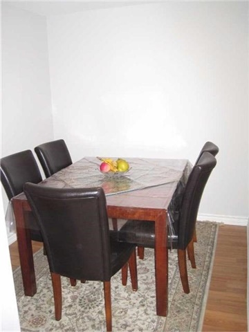 Condo Apartment at 18 Harding Blvd, Unit 1026, Richmond Hill, Ontario. Image 5