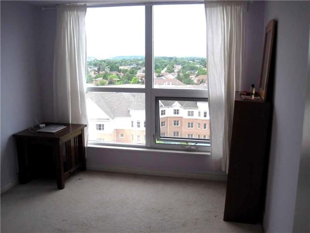 Condo Apartment at 18 Harding Blvd, Unit 1026, Richmond Hill, Ontario. Image 7