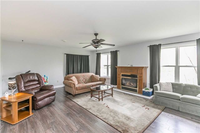 Detached at 2605 Boyers Rd, Georgina, Ontario. Image 18