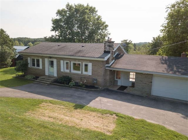 Detached at 14480 Dufferin St, King, Ontario. Image 1