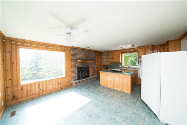 Detached at 14480 Dufferin St, King, Ontario. Image 11