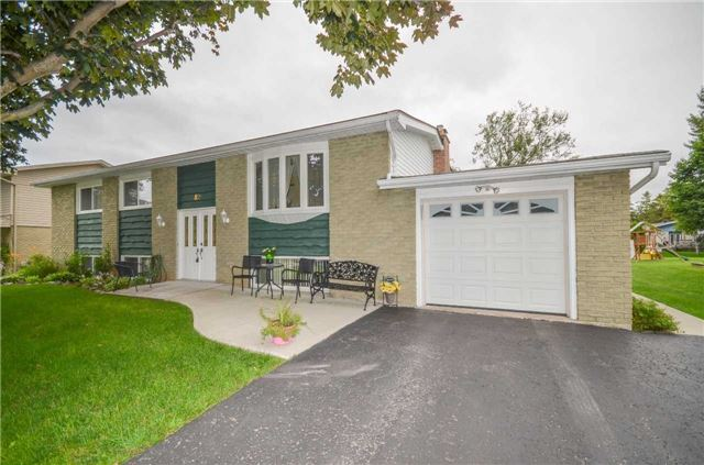Detached at 82 Fifth St, Brock, Ontario. Image 1