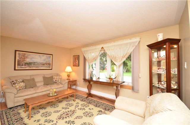 Detached at 82 Fifth St, Brock, Ontario. Image 14