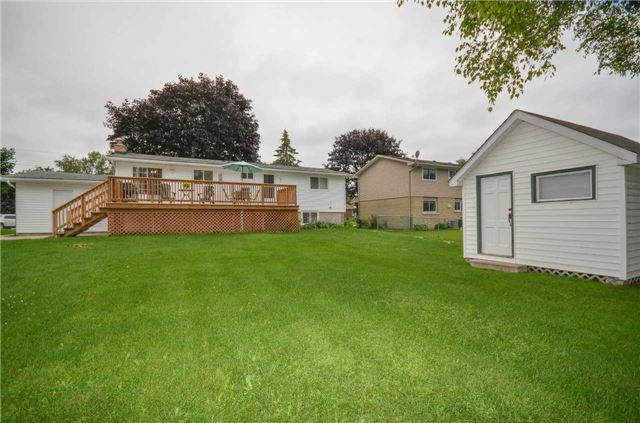 Detached at 82 Fifth St, Brock, Ontario. Image 11