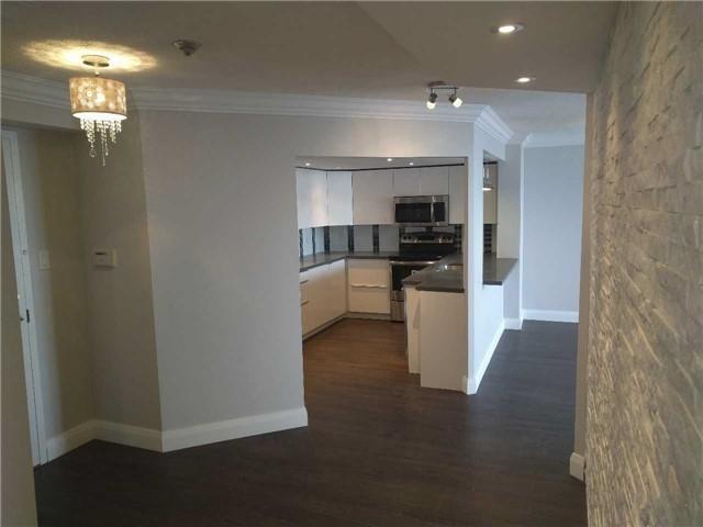 Condo Apartment at 7460 Bathurst St, Unit 702, Vaughan, Ontario. Image 10