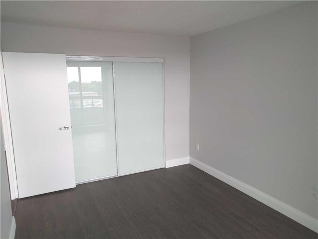 Condo Apartment at 7460 Bathurst St, Unit 702, Vaughan, Ontario. Image 16