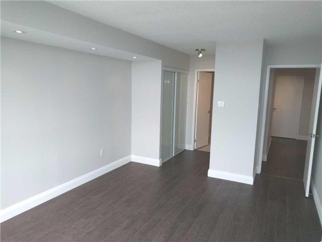 Condo Apartment at 7460 Bathurst St, Unit 702, Vaughan, Ontario. Image 2
