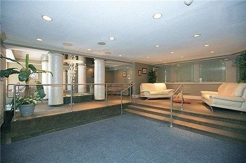 Condo Apartment at 7460 Bathurst St, Unit 702, Vaughan, Ontario. Image 7