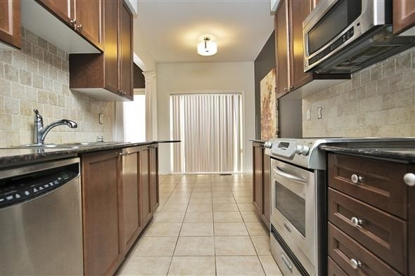 Link at 26 Brumstead Dr, Richmond Hill, Ontario. Image 18