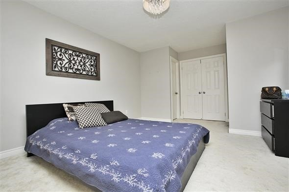 Link at 26 Brumstead Dr, Richmond Hill, Ontario. Image 2