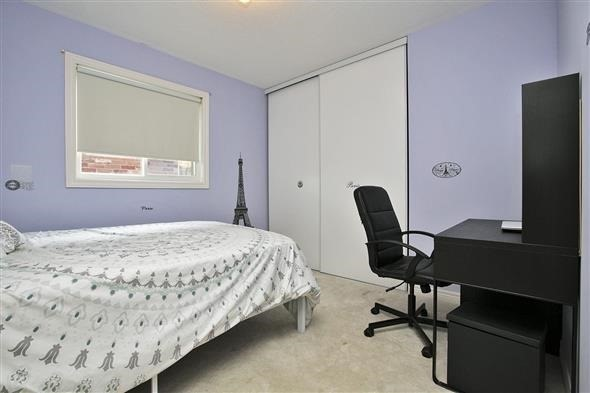 Link at 26 Brumstead Dr, Richmond Hill, Ontario. Image 3