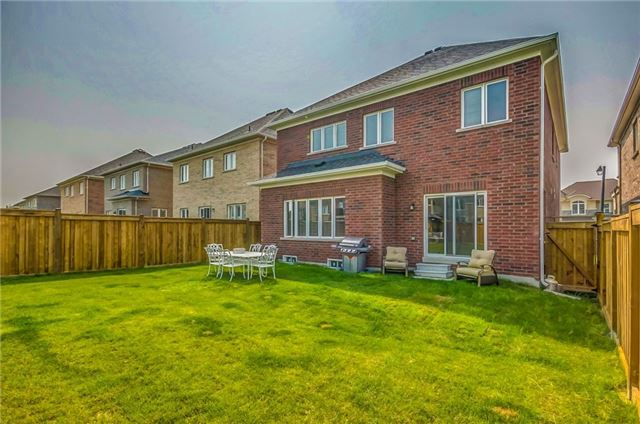 Detached at 74 Vivian Creek Rd, East Gwillimbury, Ontario. Image 11
