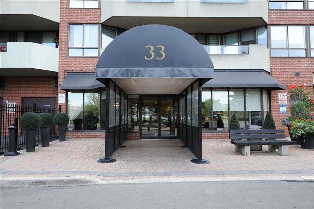 Condo Apartment at 33 Weldrick Rd E, Unit 302, Richmond Hill, Ontario. Image 1