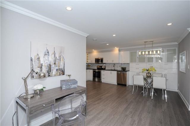 Condo Apartment at 33 Weldrick Rd E, Unit 302, Richmond Hill, Ontario. Image 17