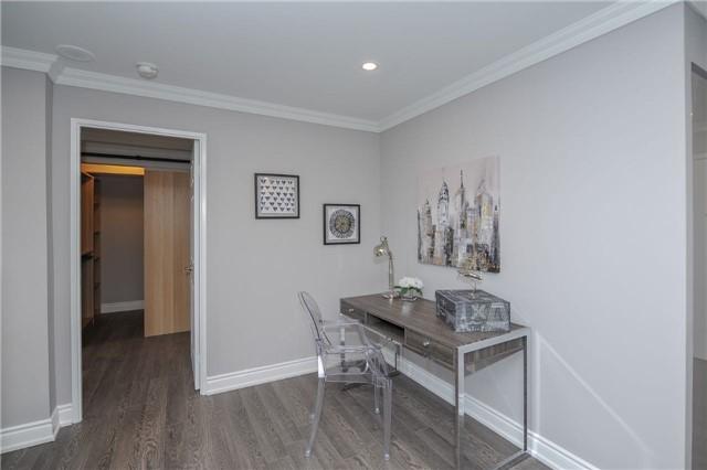 Condo Apartment at 33 Weldrick Rd E, Unit 302, Richmond Hill, Ontario. Image 18